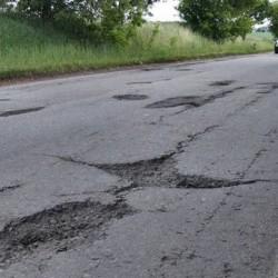 potholes-on-road-img_5965